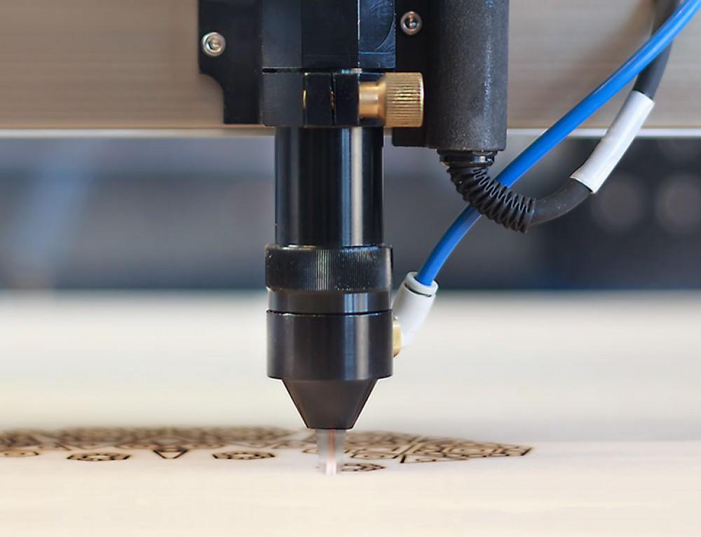 Introducción al corte láser y la impresión 3D