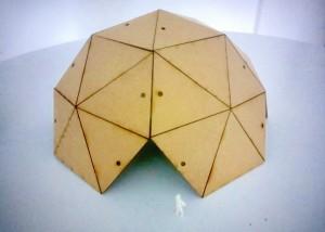 Maqueta de cúpula geodésica